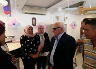 بالصور| محافظ بورسعيد يطالب أصحاب القرى السياحية بتوحيد زي العاملين