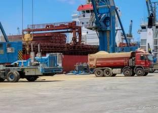 170575 طن قمح رصيد صومعة القطاع العام بميناء دمياط