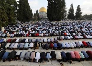 """المصلون الفلسطينيون يفتحون مصلى """"الرحمة"""" المغلق من إسرائيل منذ 16 عاما"""