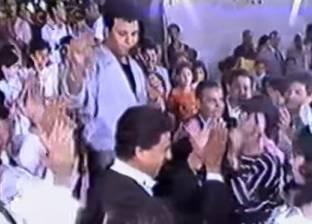 بالفيديو| لقطات نادرة لمحمد فؤاد في حفل زفاف الفنان المعتزل مجدي إمام