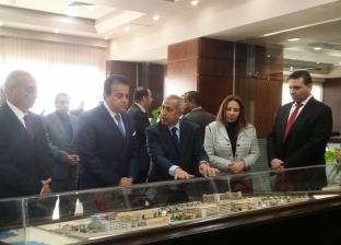 وزير التعليم العالي يتفقد مباني الأكاديمية العربية في الإسكندرية