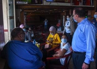 محافظ الإسكندرية: تفقدت مقاهي شعبية لمتابعة الإجراءات وقعدت مع الزباين