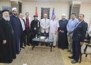 محافظ السويس يتبادل التهاني مع الأهالي بمناسبة عيد الفطر المبارك