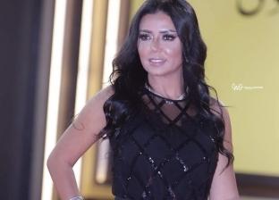 محكمة الأسرة تلزم طليق رانيا يوسف بـ250 ألف جنيه مصاريف لطفلتيها