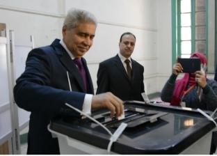 محافظ المنيا يشيد بالمشاركة الإيجابية للمواطنين في الاستفتاء