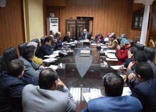 رئيس جامعة بنى سويف يستهل العام الجديد بصرف مكافآت للباحثين المتميزين