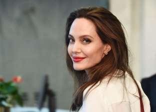 الشائعات تلاحق أنجلينا جولي.. هل تربطها علاقة بحارسها الشخصي؟