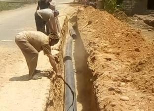 """""""مياه أسيوط"""" تنهي إحلال وتجديد 4 كيلومترات للخط المغذي لقرية بني عديات"""