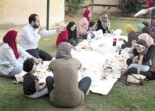 رمضان بدأ فى «إمبابة»: مائدة وتبرعات ووجبات