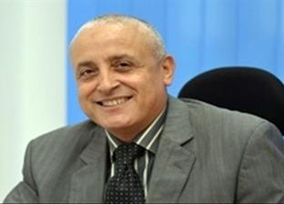 """نائب رئيس """"المجتمعات العمرانية"""" يتفقد تنفيذ مشروعات القاهرة الجديدة"""