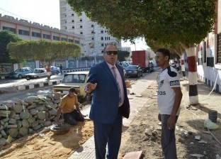 بالصور| رئيس مدينة كفر الشيخ يتفقد أعمال التطوير ونقل القمامة