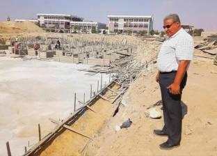 """عميد """"آداب القناة"""" يتفقد المباني الجديدة تحت الإنشاء"""