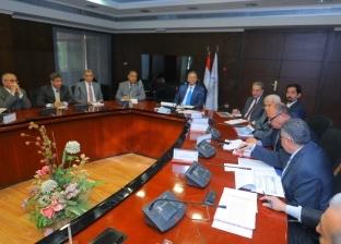 """وزير النقل يتابع تنفيذ طرق """"القاهرة-أسيوط-سوهاج"""" بـ5 مليارات جنيه"""