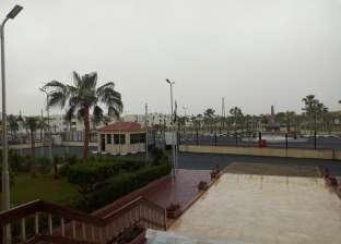 """الأمطار تتساقط في أسوان رغم """"حر أغسطس"""".. البركة في """"منخفض السودان"""""""