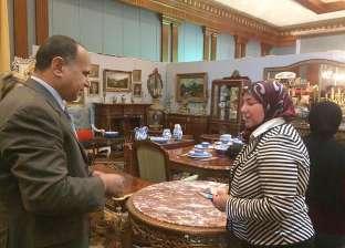 السكرتير العام المساعد يفتتح معرضا لتسويق الأثاث بالإسكندرية