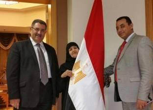 """الحاجة سعدية: السعودية ترفض عودتي لمصر.. """"نفسي أقضي رمضان وسط ولادي"""""""