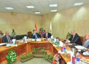 مجلس جامعة أسيوط يوافق على منح 90 درجة دكتوراه وماجستير