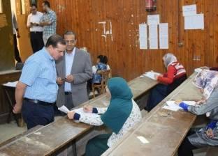 رئيس جامعة سوهاج يتفقد امتحانات كلية الطب البشري