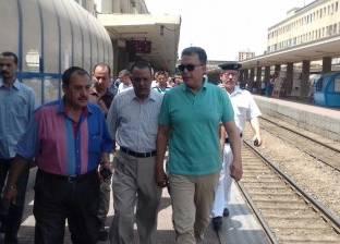 بالصور| وزير النقل يتابع حركة القطارات والمترو والمراسي النهرية
