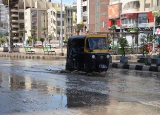 سقوط أمطار غزيرة على سواحل دمياط وانتظام حركة الملاحة