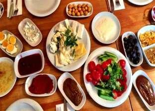 أطعمة لا تتناولها في سحور رمضان منها اللانشون والجبنة والحلويات