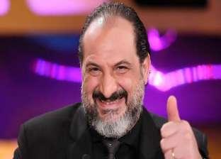 """خالد الصاوي يرقص على نغمات """"دي دي"""".. """"عايش حياته"""""""