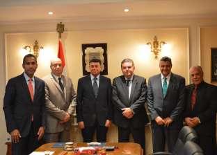 """وزير قطاع الأعمال يلتقي أعضاء مجلس """"القابضة للتأمين"""" بتشكيله الجديد"""