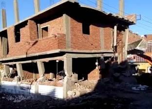 إزالة تعديات وإشغالات بالطريق العام في مركز بني مزار بالمنيا
