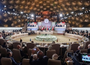 تميم يغضب لمعسكر الإرهاب.. قطر تغرد خارج سرب العرب وتختار إيران وتركيا