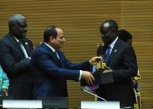 عاجل  السيسي يصل إلى القاهرة قادما من أديس أبابا