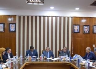 رئيس جامعة بني سويف يترأس اجتماع مجلس كلية التجارة