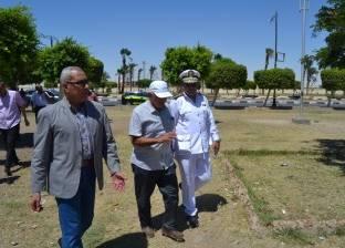 محافظ السويس يتابع أعمال نظافة ورفع إشغالات الكورنيش وممشى بورتوفيق