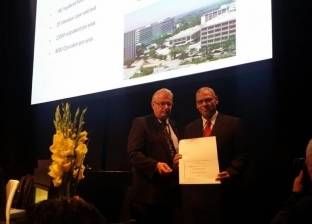 الجمعية الألمانية تمنح العضوية الفخرية لمدير مستشفى الكلى بجامعة أسيوط