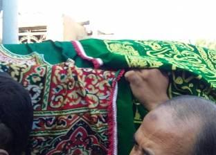 بالصور  الآلاف يشاركون في تشييع جثمان محافظ حلوان السابق