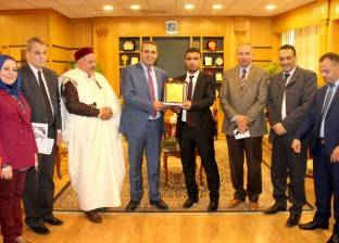 وفد السفارة الليبية ورئيس اتحاد الطلاب يزوران جامعة المنصورة