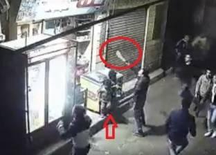 بالفيديو والصور| بلطجية يهاجمون محلات تجارية بالأسلحة في المحلة