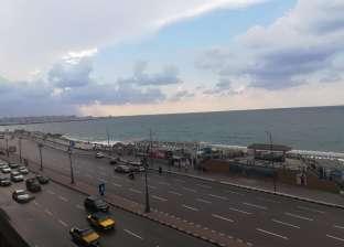 عاصفة ترابية تضرب محافظة البحر الأحمر