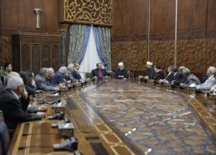 الإمام الأكبر: تلاحم المصريين بالمناسبات نموذج فريد للتعايش في العالم