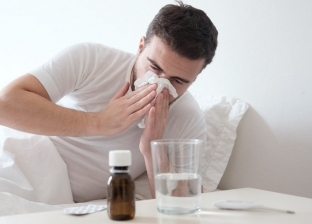 دش وفيتامين وشوربة.. كيف تقضي على أعراض البرد في 24 ساعة
