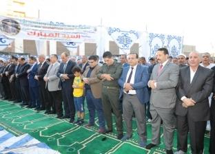 محافظ بني سويف يؤدي صلاة العيد بساحة مسجد عمر بن عبد العزيز