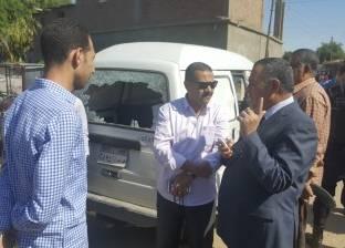 مدير أمن سوهاج يعاين سيارة البريد المنهوبة من قبل مسلحين