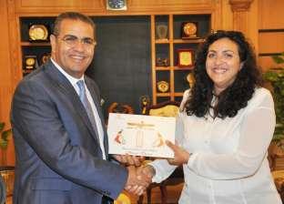 بالصور| رئيس جامعة المنصورة يستقبل عضو اللجنة القومية للحفاظ على التراث