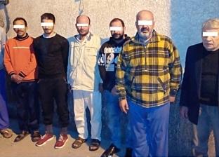 ضبط 7 أشخاص في أثناء تنقيبهم عن الآثار داخل منزل بالدرب الأحمر