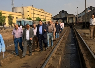 رئيس هيئة السكة الحديد يشدد على مسئولى التشغيل  إجراءات السلامة