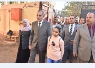 """بعد اعتداء معلم عليها.. الطالبة نورا يوسف: """"أنا شاطرة وهبقى مدرسة"""""""