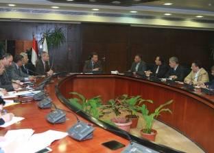وزير النقل يمهل شركات النظافة شهرين لتحسين الخدمة بقطارات السكة الحديد