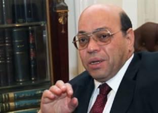 شاكر عبدالحميد يفتتح ملتقى بصمات الفنانين التشكيلين العرب الثلاثاء