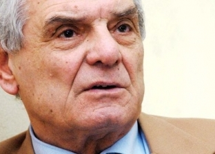 عادل هيكل عن ترأسه الأهلي مؤقتا: لو اطلب مني أقعد على الباب هوافق