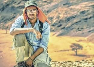 «هشام» يستكشف الصحراء على «بسكلتة»: البدو أهل كرم