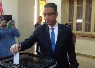 محافظ سوهاج يدلي بصوته في الاستفتاء على تعديل الدستور